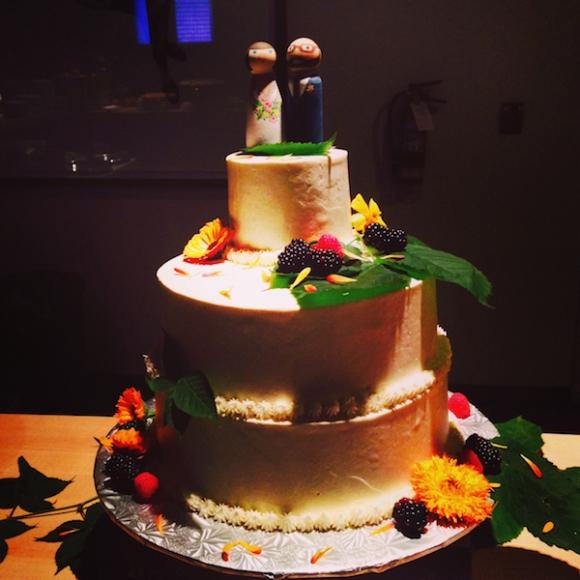 Sean and Thea's splendid wedding cake.